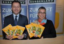 Bauernbund-Landesobmann Abg. z. NR Niki Berlakovich und Bauernbund-Direktorin Tamara Hettlinger präsentieren den Bauernbund-Kalender 2016.