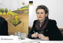 Obfrau Gertraud Grabmann freute sich über den großen Publikumszuspruch bei der Weiterbildungsveranstaltung in Wels (OÖ).