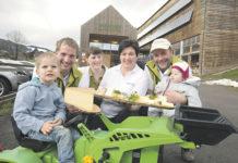 Generationenübergreifender Unternehmergeist - Familie Metzler (im Bild von rechts): Johanna mit den Großeltern Ingo und Melitta Metzler