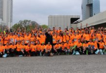Auch ÖVP-Präsidentschaftskandidat Andreas Khol (Mitte) feuerte die knapp 300 Marathonteilnehmer der Jungbauernschaft an.