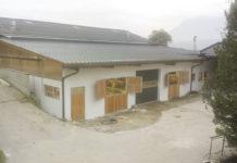 Ein Blick auf das Stallgebäude der Familie Lang in Niederbreitenbach