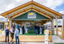 Tausende Besucher kamen zum Jubiläum der Firma Wolf nach Scharnstein.
