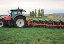 Schreiber GmbH aus Altruppersdorf fertigt Landmaschinen zurBodenbearbeitung.