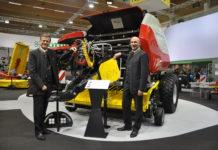Präsentierten u. a. die Ballenpresse Impress: die Geschäftsführer Heinz Pöttinger (l.) und Gregor Dietachmayr