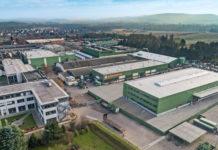 Das neue Testzentrum (vorne rechts) soll zusammen mit dem 2014 eröffneten Technik-Zentrum (vorne links)