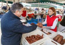 Simone Schmiedtbauer am Bauernmarkt