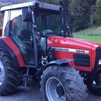 Traktor MF 4245