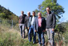 V. l.: Gebietsbauleiter Josef Plank, NR Hermann Gahr, Egmont Haas, Techniker in der Gebietsbauleitung, Bürgermeister Hubert Kirchmair und Gebhard Walter, Leiter der Sektion Tirol der WLV.